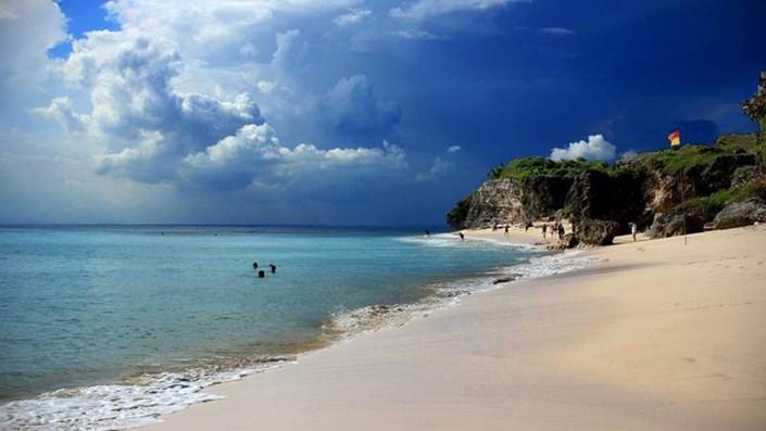 Pantai Dreamland Bali di Pecatu