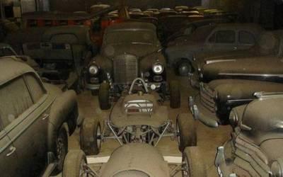 Mobil Tua Yang Mewah dan Antik 180 Unit