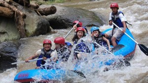 Paket Rafting Bali di Sungai Ayung Feature 012016