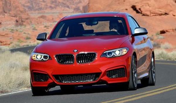 Mobil Terbaru Tahun 2015 dengan Jenis Sedan Yang Diproduksi BMW - Merah