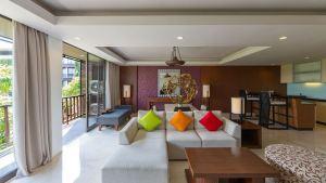 Hotel Le Grande Pecatu Bali One Bed Room 02