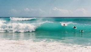 Pantai Padang Padang Bali - Surfing