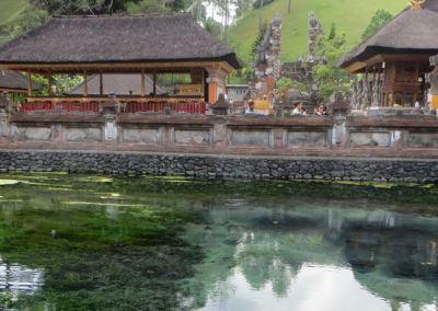 Pura Tirta Empul Bali - Air Menyembur