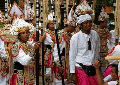 Pura Tirta Empul Bali - Tari Baris