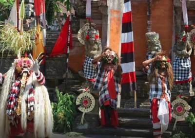 Tari Barong & Kris di Jambe Budaya Batubulan Bali 4