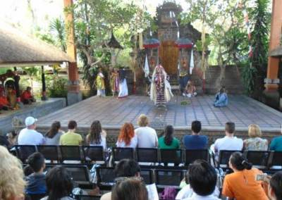Tari Barong & Kris di Jambe Budaya Batubulan Bali 7