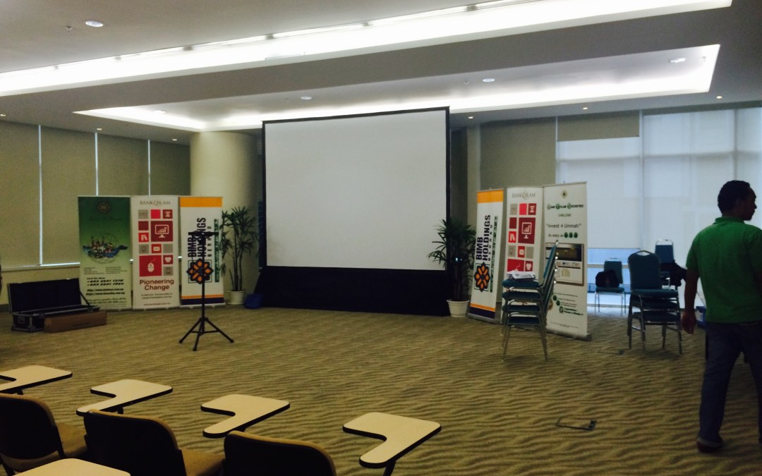 Big Projector, Bigger Audience, Grand Event, Budget Price