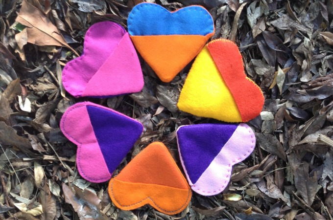Felt Heart Pouch for Valentine's Day - Easy Sewing Tutorial