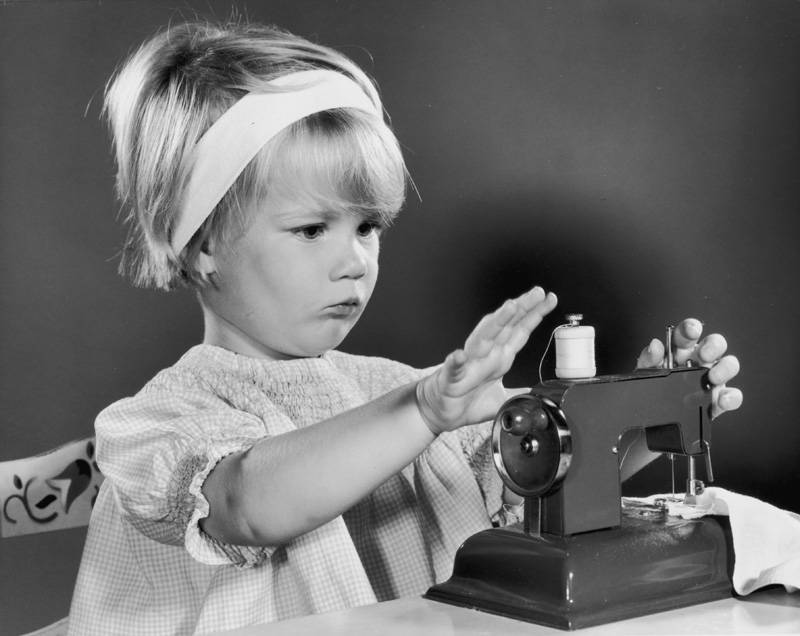 Best Kids Sewing Machines For Your Sewing Bee Simple Kid Friendly Sewing Machines