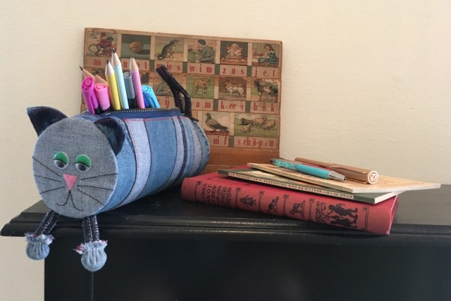 Back2School Homemade Jeanius Lapjeskat potloden etui