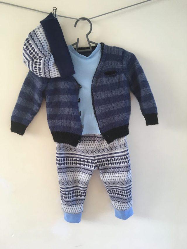 Bergère de France knitted cardigan, pants, Misusu Max Tee,beanie