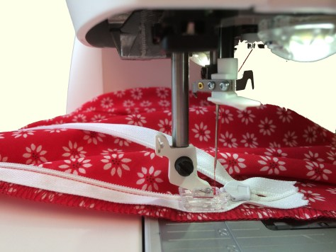 Sewing a Concealed Zipper image