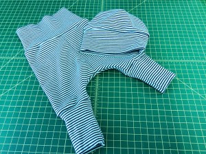 Baby Set Leggings Hat Cloud 9 organic cotton knit stripe navy aqua sewing report