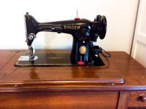 Singer 201 2 sewing machine vintage