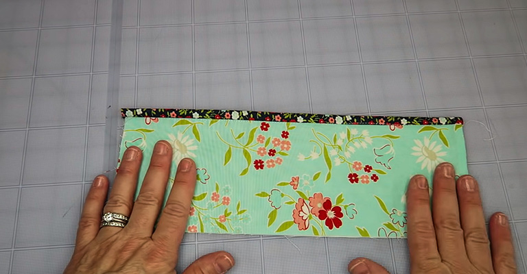 How to Make a Knitting Needle Case 23
