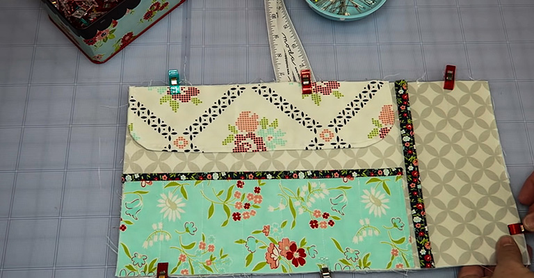 How to Make a Knitting Needle Case 34