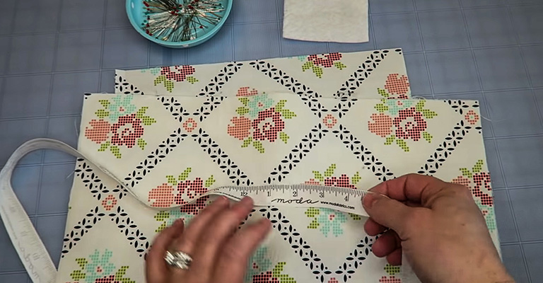 How to Make a Knitting Needle Case 7