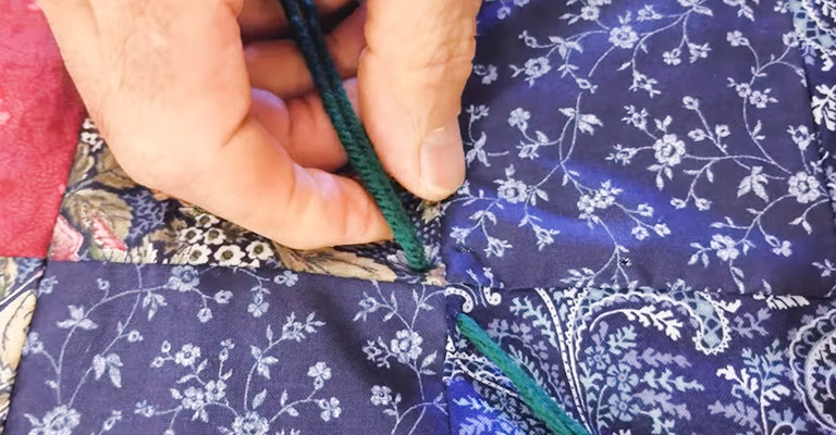 How to Tie a Quilt With Yarn