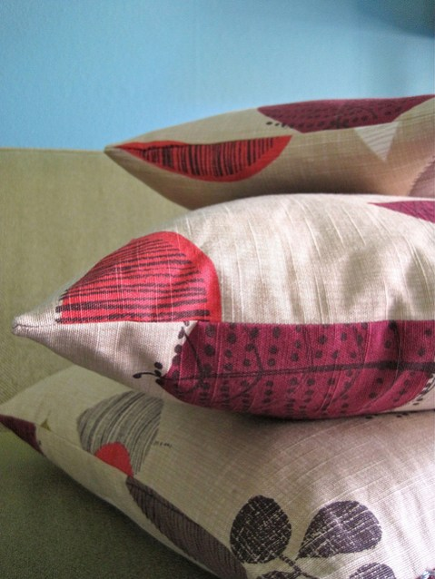 how to sew the end of a pillow