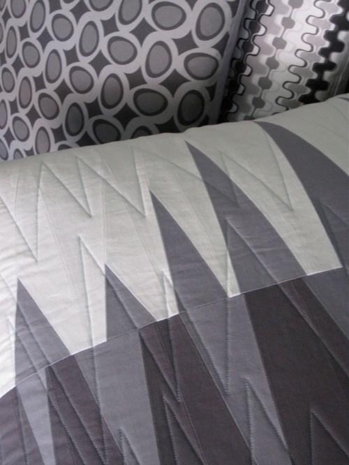 sewkatiedid/opposing triangle pillow