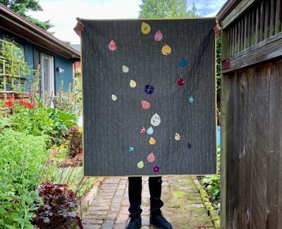 ::  Wee Raindrops Quilt  ::