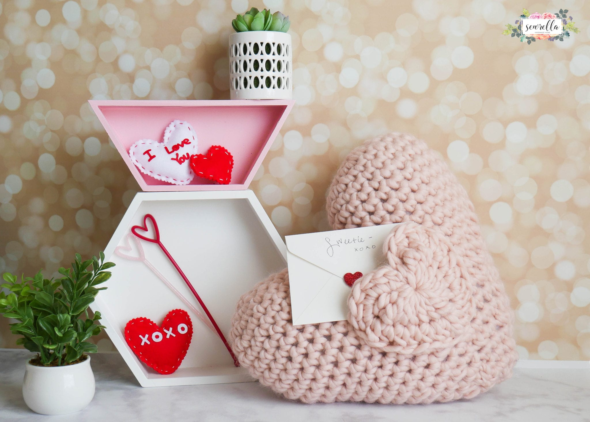 14 Crochet Projects To Make For Valentine S Day Sewrella
