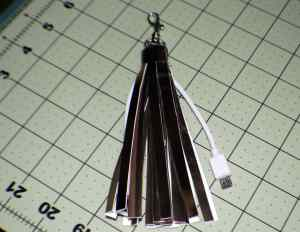 Wrap-the-small-piece-around-the-top-fpr-a-finished-look-300x232 Tassel USB Key Chain
