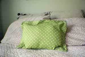 Zippered-Flanged-Pillow-300x200 How to Make a Zippered Flanged Pillow