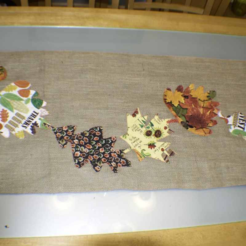 FALL APPLIQUE BURLAP TABLE RUNNER