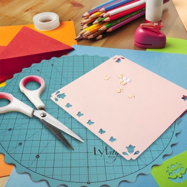 10+ Sewing Gadgets you Never Knew Existed: These gadgets are so fun and different! Click through to see all the fun sewing gadgets that you never knew existed! | www.sewwhatalicia.com