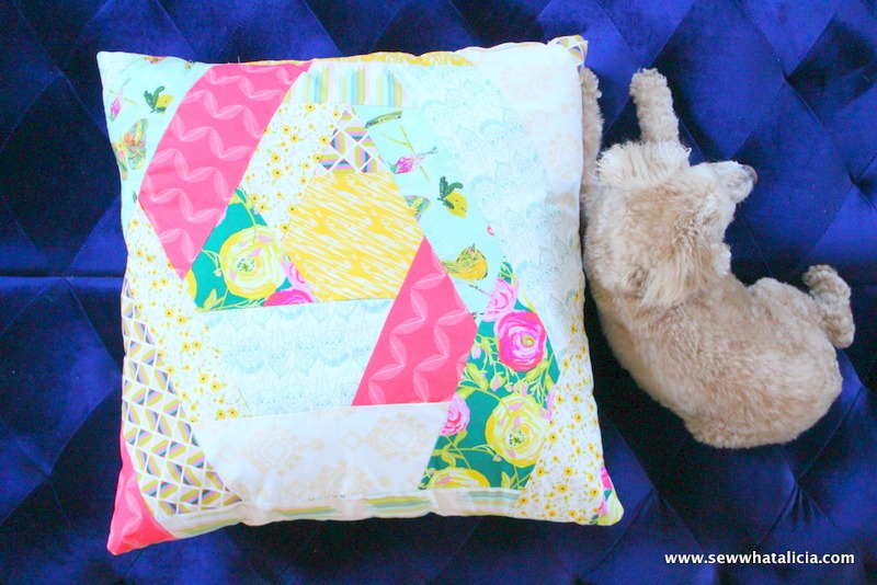 Giant Floor Pillow Tutorial | www.sewwhatalicia.com