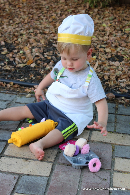 DIY Toddler Chef Costume Ideas | www.sewwhatalicia.com