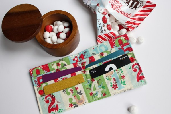 Candy Wrapper Gift Card Wallet Tutorial: This tutorial lets you eat lots of delicious candy! Use the wrappers to create a cute gift card wallet to fill with gift cards and gift to your favorite person! Click through for the full sewing tutorial.   www.sewwhatalicia.com