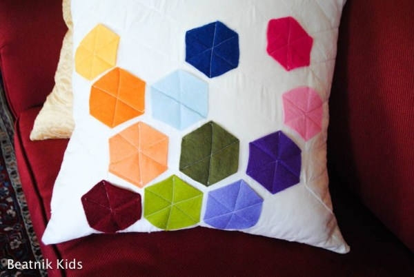 10+ Fantastic Felt Projects to Make Today : This collection of felt projects will get your creative juices flowing! Sew and no sew are included. Click through for the full list of projects   www.sewwhatalicia.com