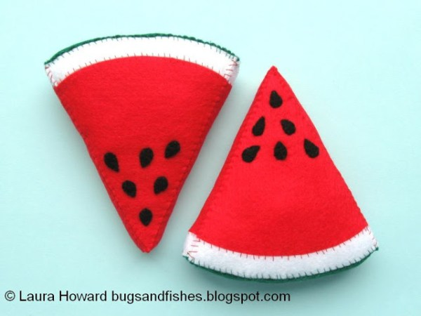 10 Fruity Summer Sewing Project Ideas: Start your summer sewing with these fun fruit inspired projects. Click through for the full list of sewing tutorials for summer | www.sewwhatalicia.com
