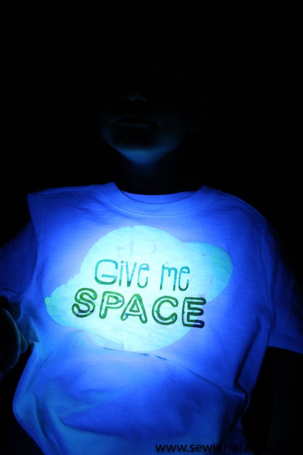 Glow in the Dark Fabric Paint Tutorial: This tutorial is great for learning how to use fabric paint and a stencil to create custom t-shirts. Plus get a cute free cut file to make a space inspired shirt. Click through for the full tutorial.  www.sewwhatalicia.com