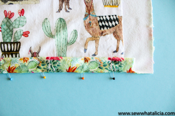 Self Binding Baby Blanket Tutorial: This is a great tutorial for beginners wanting to work with minky fabric. This blanket is self binding and is made with one seam. Click through for the full sewing tutorial. #babyblanket #sewing #selfbindingblanket #sewallthethings #sewcialists| www.sewwhatalicia.com
