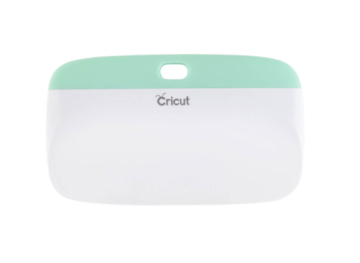 10+ Must Have Cricut Accessories: XL Scraper. These accessories are perfect for pairing with your Cricut cutting machine. Click through for a full list of must have accessories. | www.sewwhatalicia.com