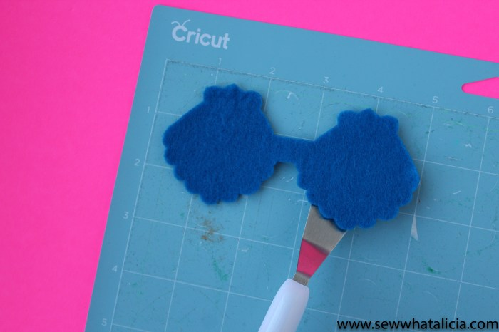 Cutting Felt with Cricut; Tips and Tricks: All the tips and tricks you need to know to cut felt with Cricut. | www.sewwhatalicia.com