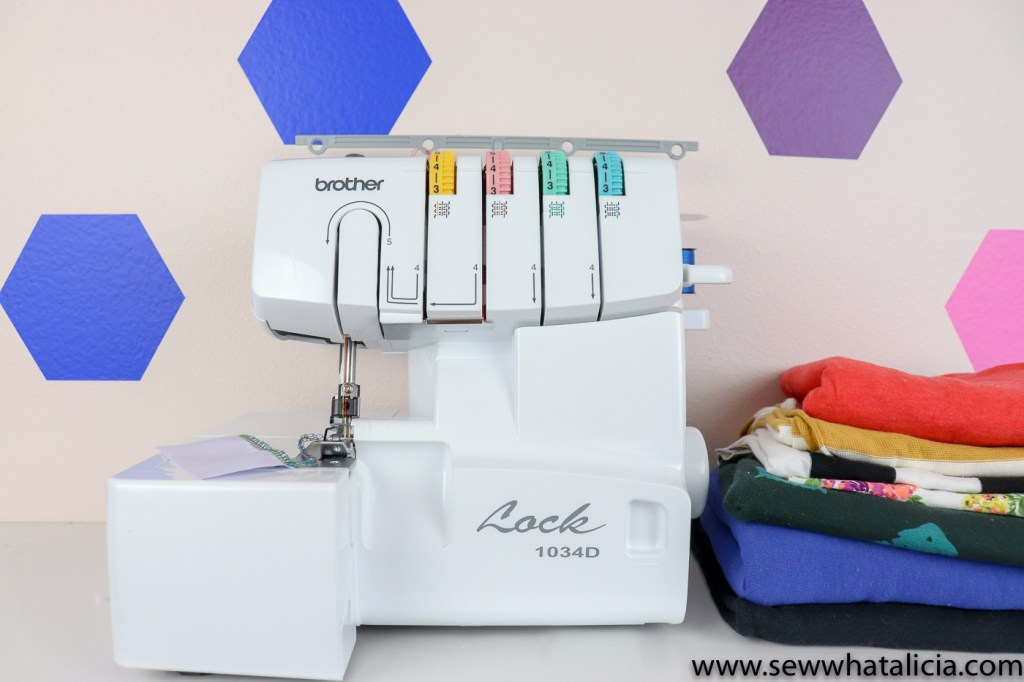 What is the difference between a serger and a sewing machine?: If you aren't sure which machine is right for you or you just want to learn more about the different types of machines for sewing then this is the post for you. Click through for all the details on the differences between the two types of machines. | www.sewwhatalicia.com