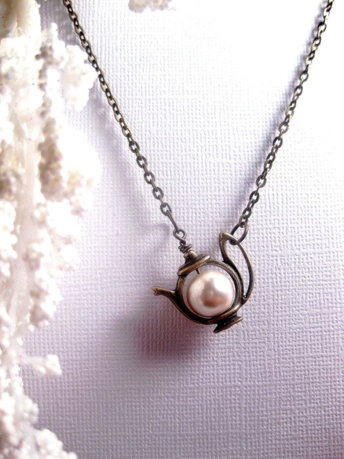 Alice In Wonderland Cute Teapot Pearl Necklace