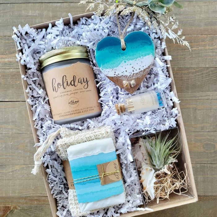 Seashore Holiday Gift Box