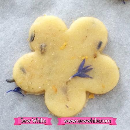 Flower Heaven biscuits Sew White 4