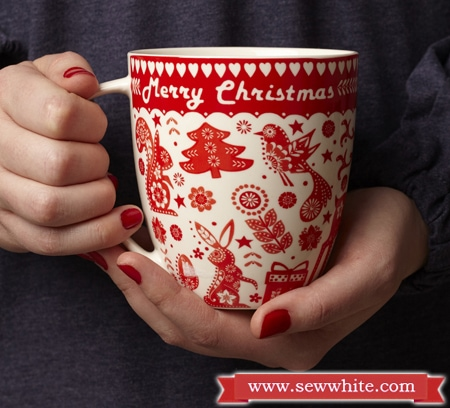 caravan trail red Christmas mug