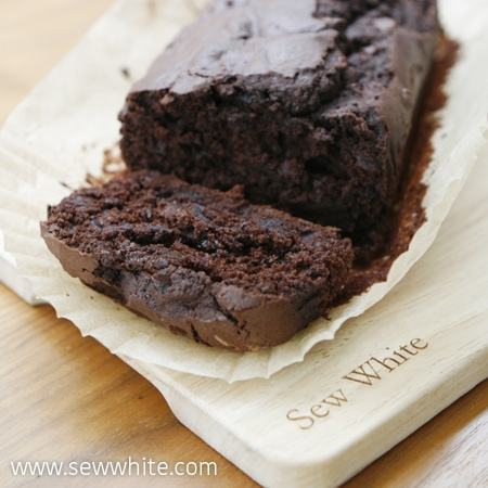 Sew White Chocolate and beetroot cake easy recipe 1