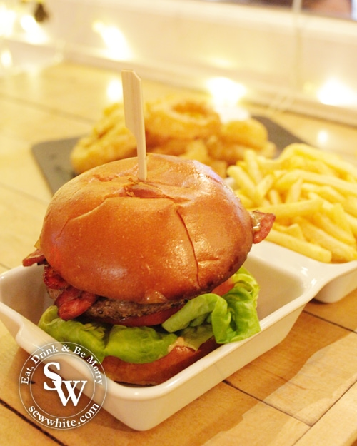 Super tall burger The Old Frizzle Wimbledon Review