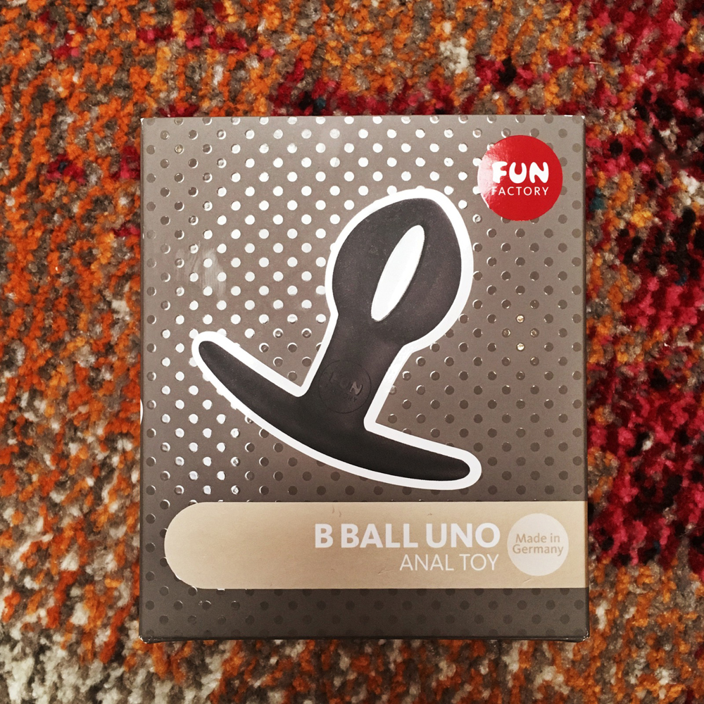 Photo of BBall Uno square package
