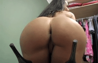 MILF LISA ANN JERK OFF IN THE MALL