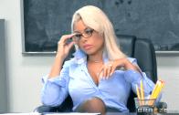 BRIDGETTE B BIG TITS AT SCHOOL – BRAZZERS