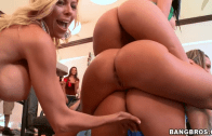 BIG PORNSTAR PARTY IN THE DORMS – DIAMOND KITTY & LUNA STAR